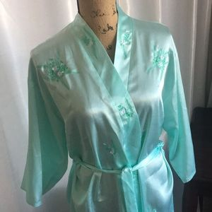 Perfect condition robe. Good for size S, M.